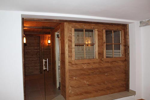 Sauna aus Altholz