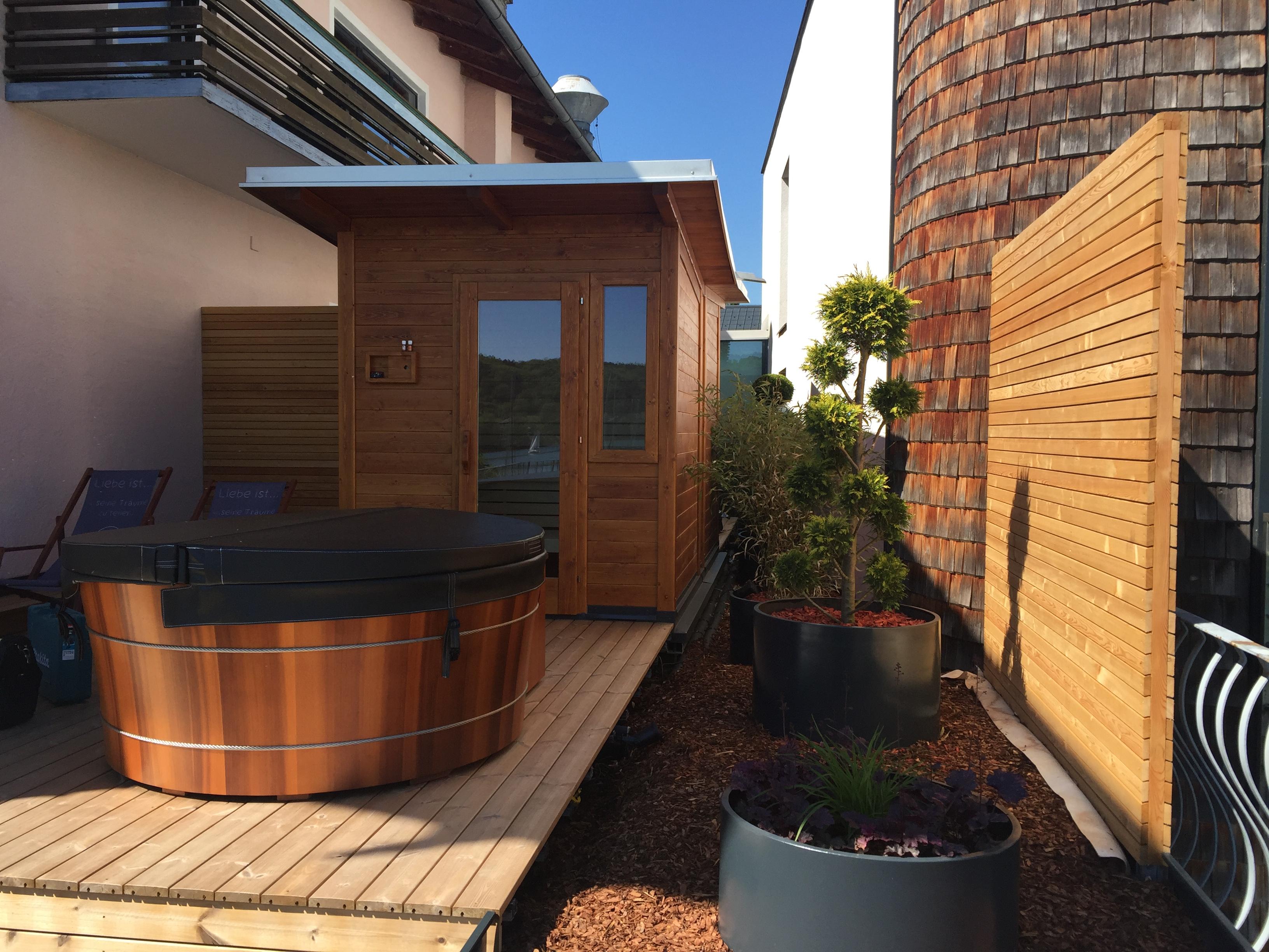 aussensauna saunabau kasberger in sterreich. Black Bedroom Furniture Sets. Home Design Ideas